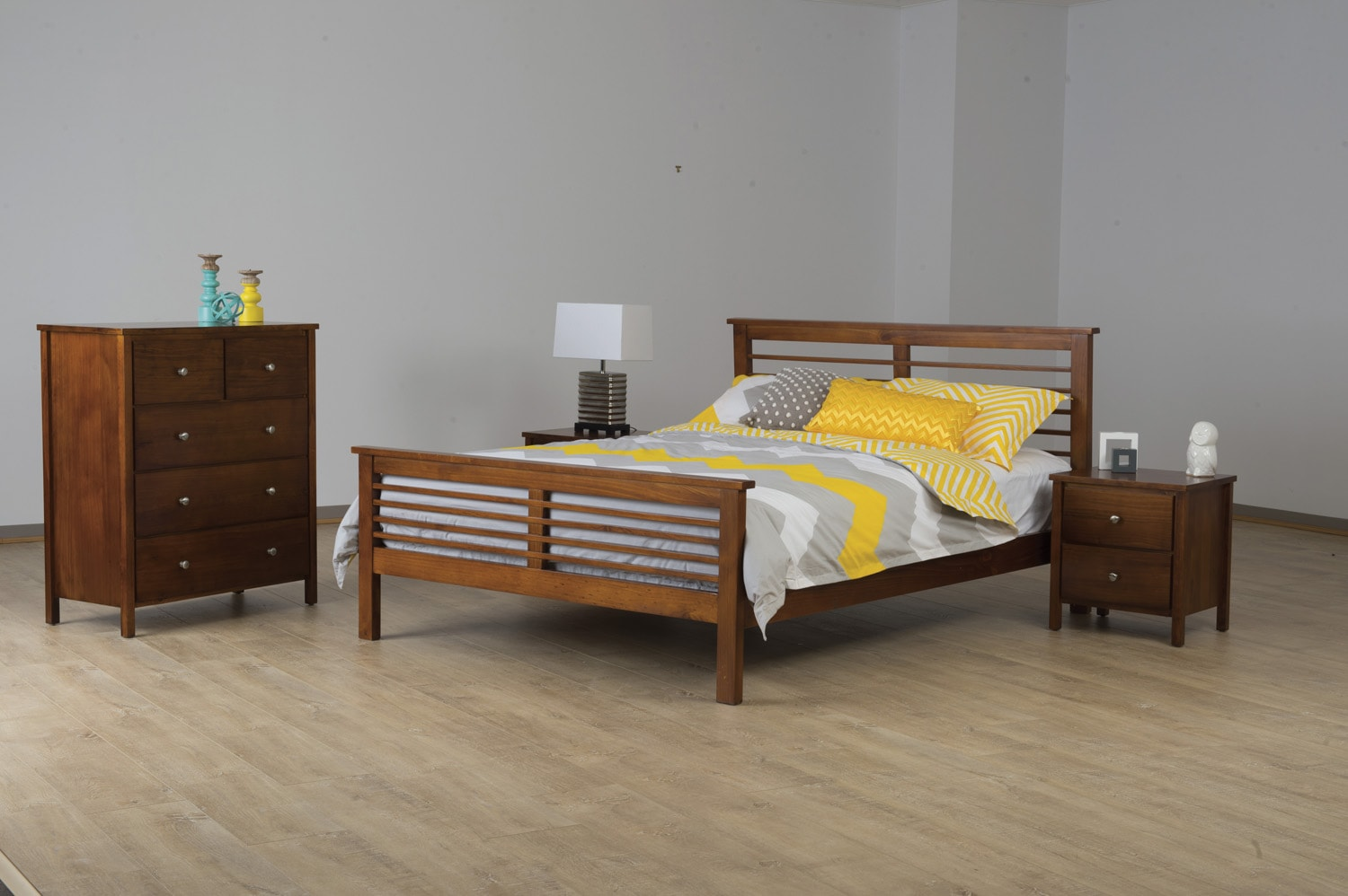 100 ex display home furniture brisbane molteni for Bedroom furniture brisbane